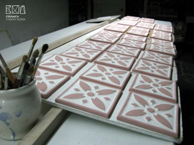03-Azulejo-Mark-and-Spencer_ceramica a mano alzada